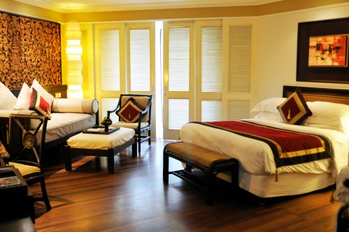 Club InterContinental guestroom